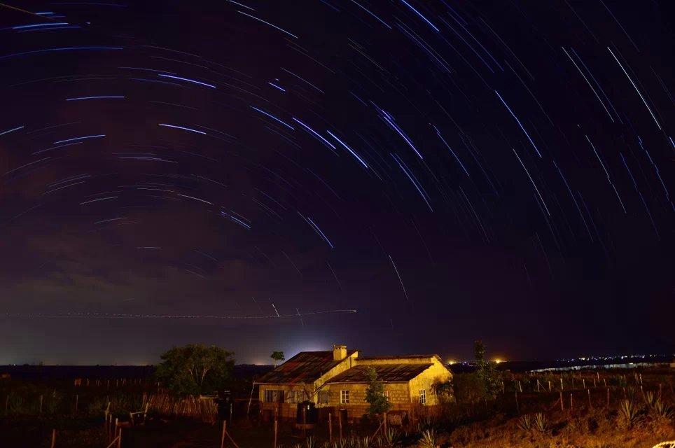 星光下的小屋——老韩作品